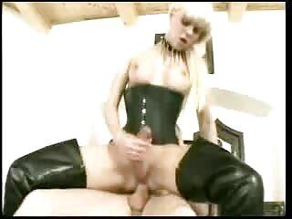 CREDIT4K, un empleado solo puede xxx caseros xxx saludar a una niña si satisface las necesidades sexuales.