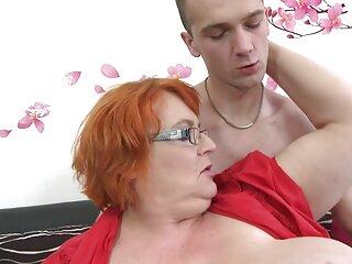 Alexis estaba sexo casero entre amigos haciendo una mamada hasta que me vio.