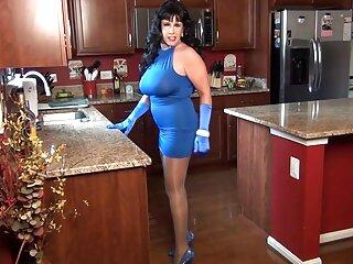 Rubia come helado en videos de sexocasero cada casa de pan de jengibre.