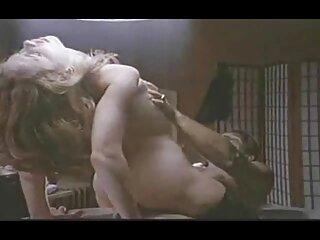 Sexy chica porno casero lesbianas de 19 años es un espectáculo de baile para hombre